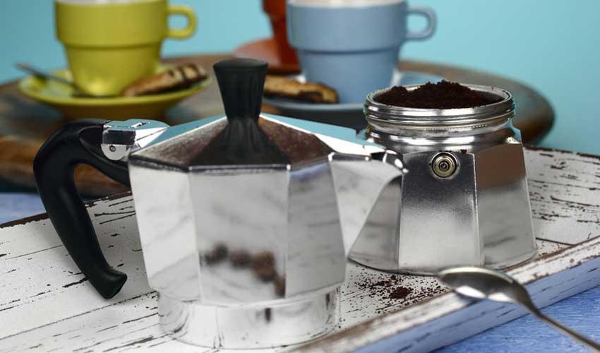 Kaffeepulver in Filter